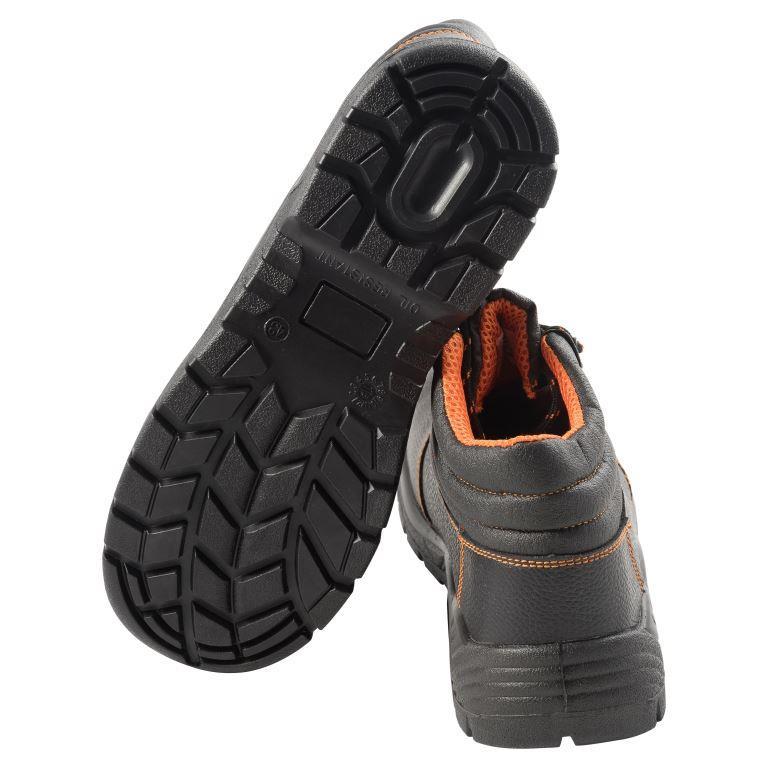 Средства защиты, Обувь рабочая влагозащитная